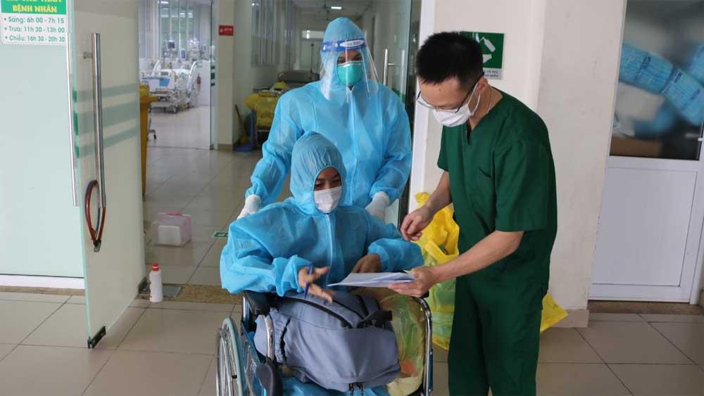 Bệnh nhân Covid-19 từng nguy kịch được xuất viện